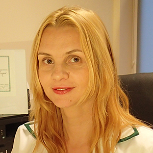 dr hab. n. kf. Katarzyna Walicka-Cypryś prof. UR